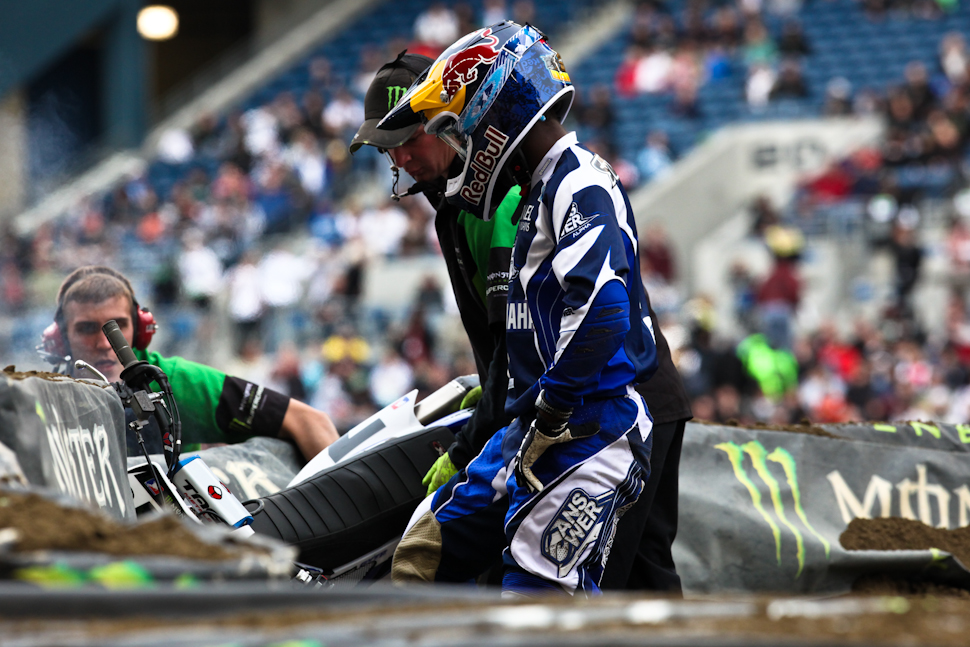 On the last lap of practice, James Stewart collided with a tuff-block