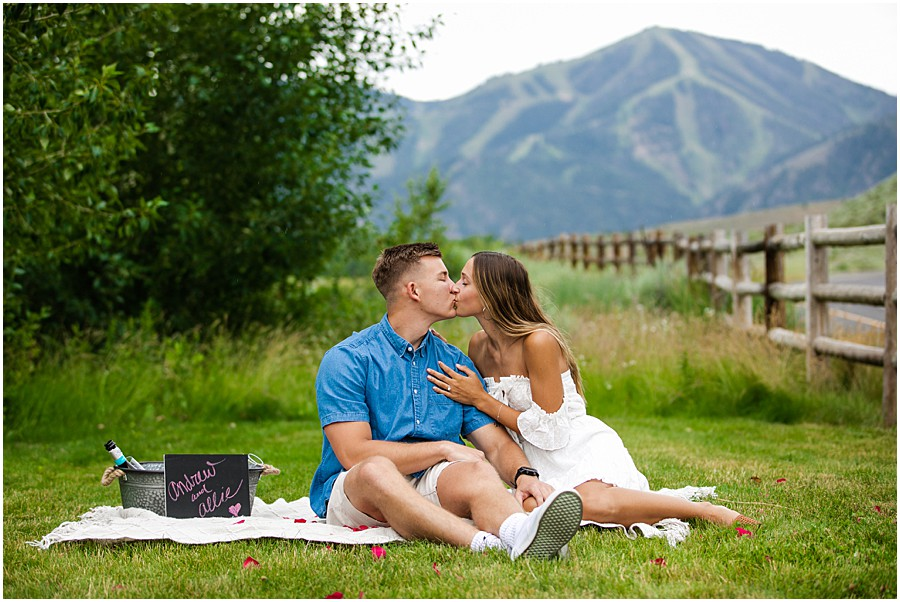 Sun_Valley_Engagement_Photography_0014.jpg